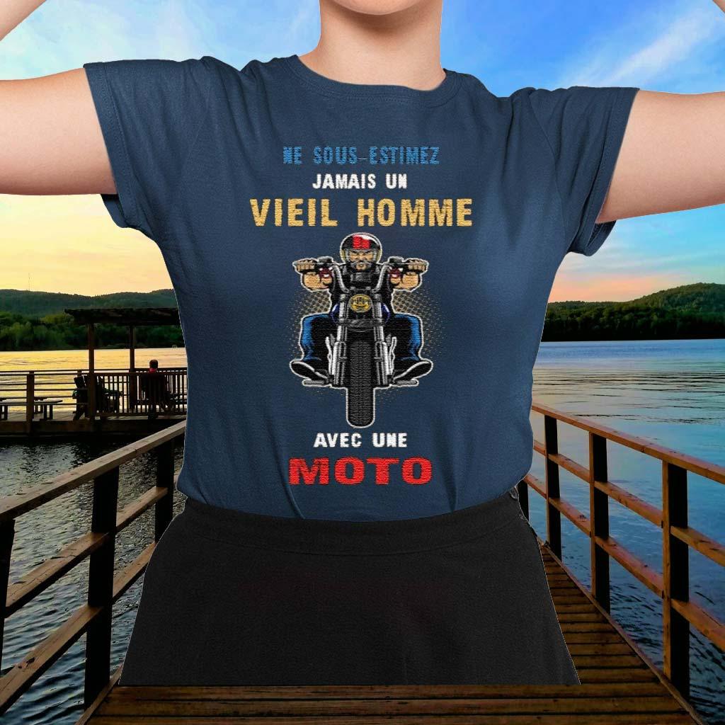 Ne-Sous-Estimez-Jamais-Un-Vieil-Homme-Avec-Une-Moto-Shirt